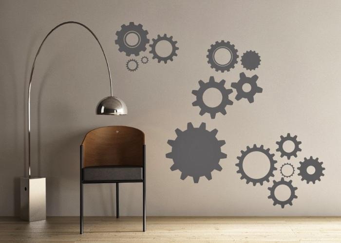 Прекрасный способ дополнить индустриальный дизайн интерьера при помощи правильно выбранного настенного декора.
