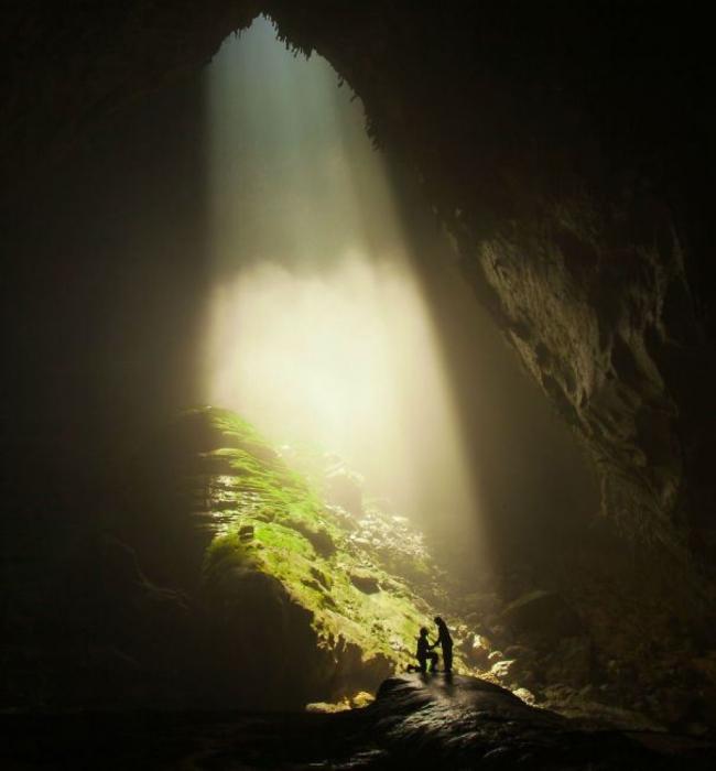 Оригинальное предложение руки и сердца в самой большой в мире пещере.