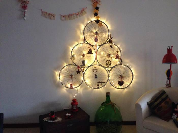 Новогоднее дерево для велолюбителей.