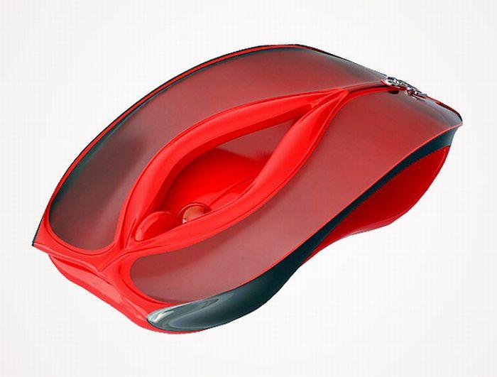 К сожалению, большинство мужчин не найдут колесико этой замечательной мышки.