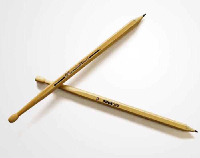 Наполовину карандаш, наполовину барабанная палочка поможет зажечь в офисе! Продаются в комплекте, совсем как настоящие барабанные палочки.