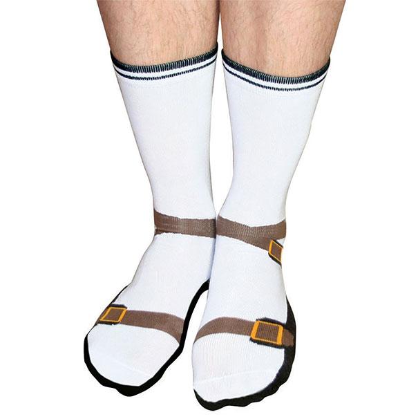 С такими носками сандалии будут лишними.