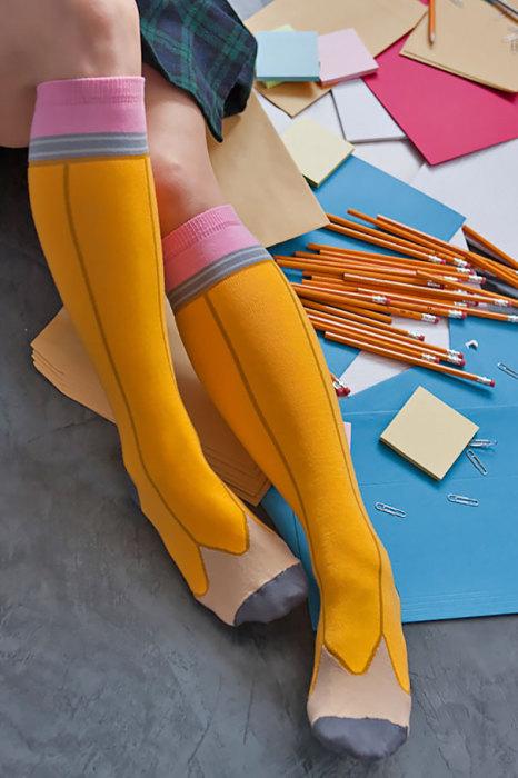 Такие носки должны продаваться в каждом канцелярском магазине.