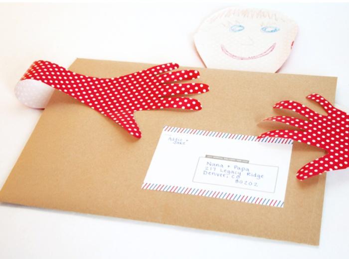 Письмо, которое сможет обнять получателя.