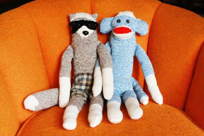 милые игрушки из обычных носков.