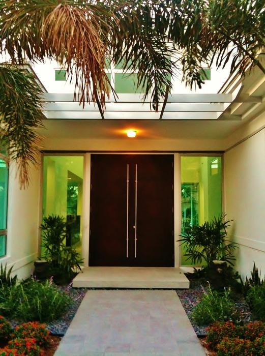 10 примеров дизайна роскошных входных дверей