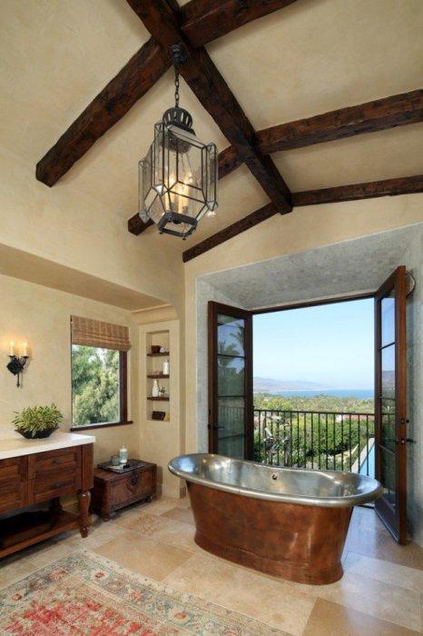 Светлая и воздушная ванная комната.