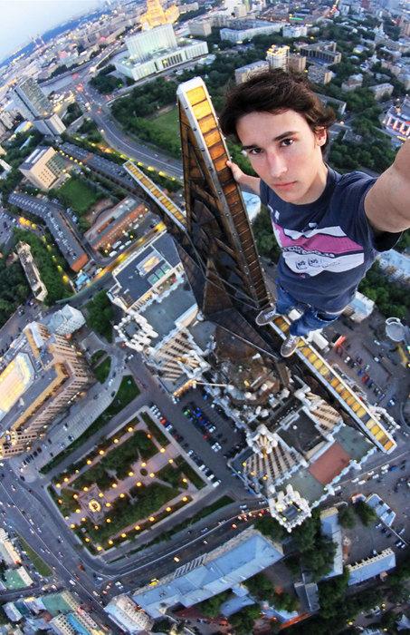 Руферы - любители забраться на верхушки зданий или памятников.