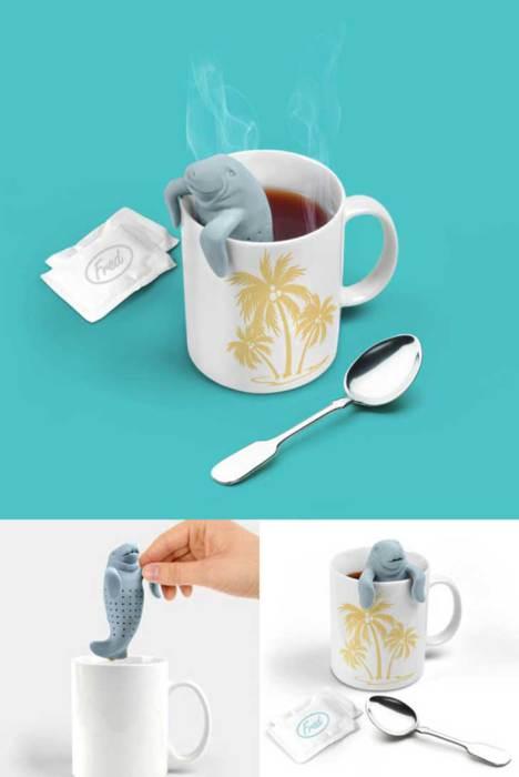 Симпатичный тюлень в чашке с чаем.