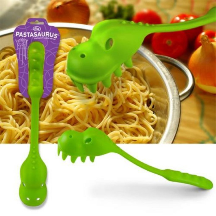 Забавная ложка-динозавр для поедания спагетти.