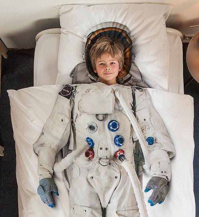 С таким покрывалом каждый сможет отправиться в космос.