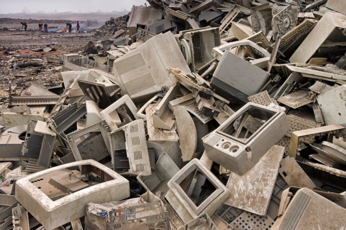 Весь мусор чаще всего оказывается на свалках в подобных странах третьего мира.