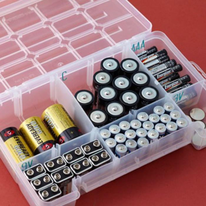Небольшой органайзер для хранения разного вида батареек.
