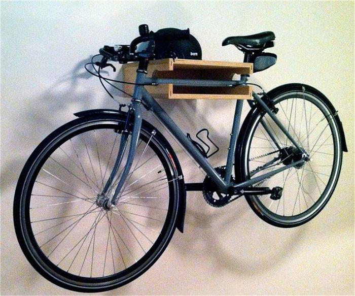 Замечательное приспособление для хранения велосипеда.