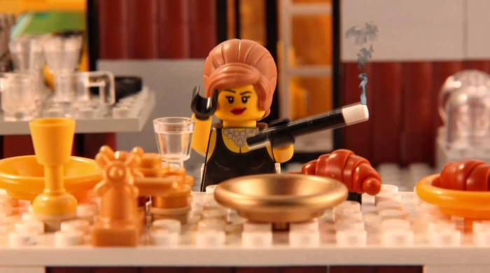 «Завтрак у Тиффани» в исполнении фигурки из LEGO.