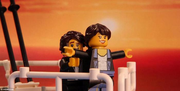 Известная сцена из фильма «Титаник».