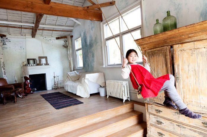 Не стоит расстраиваться, если в квартире нет отдельной игровой комнаты - есть большое количество способов установить их в простой комнате