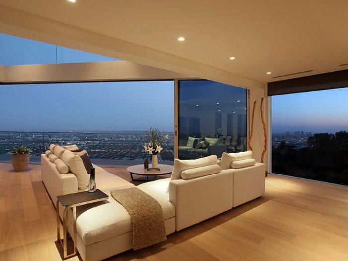 Квартира с видом на весь город.