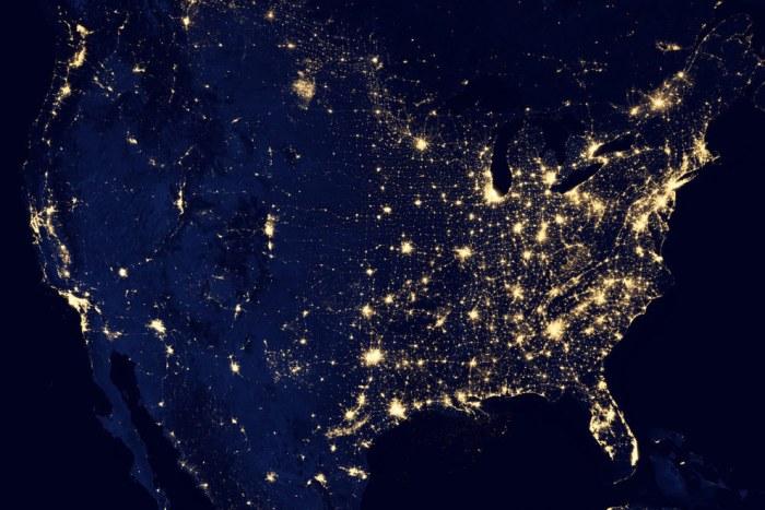США ночью.
