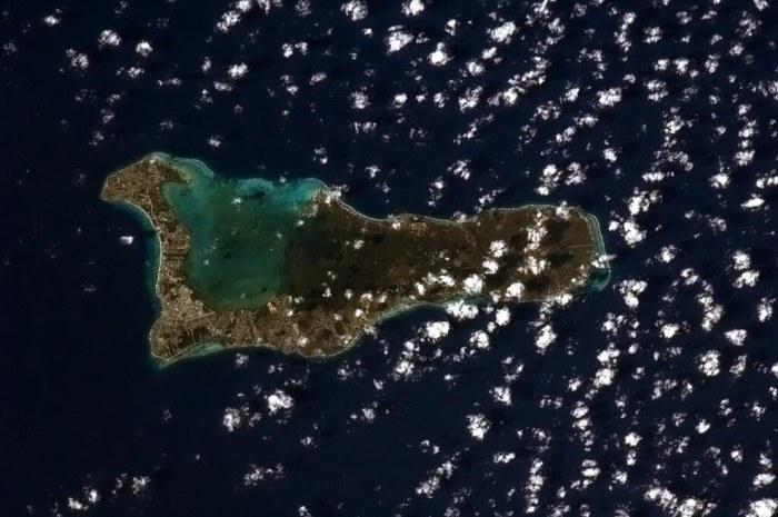 Каймановы острова, территория Великобритании.