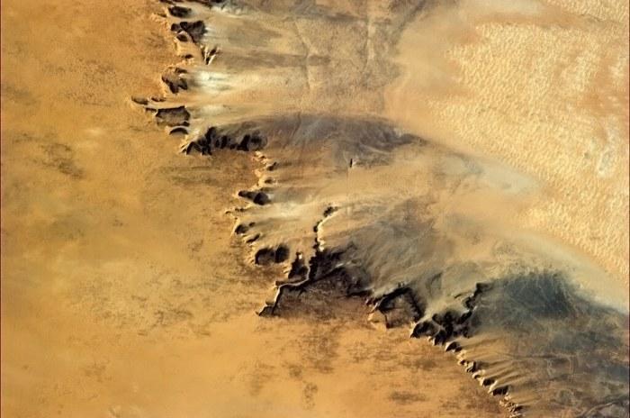 Самое жаркое место планеты - пустыня Сахара.