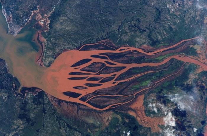 Извивистая река Бетсибока.