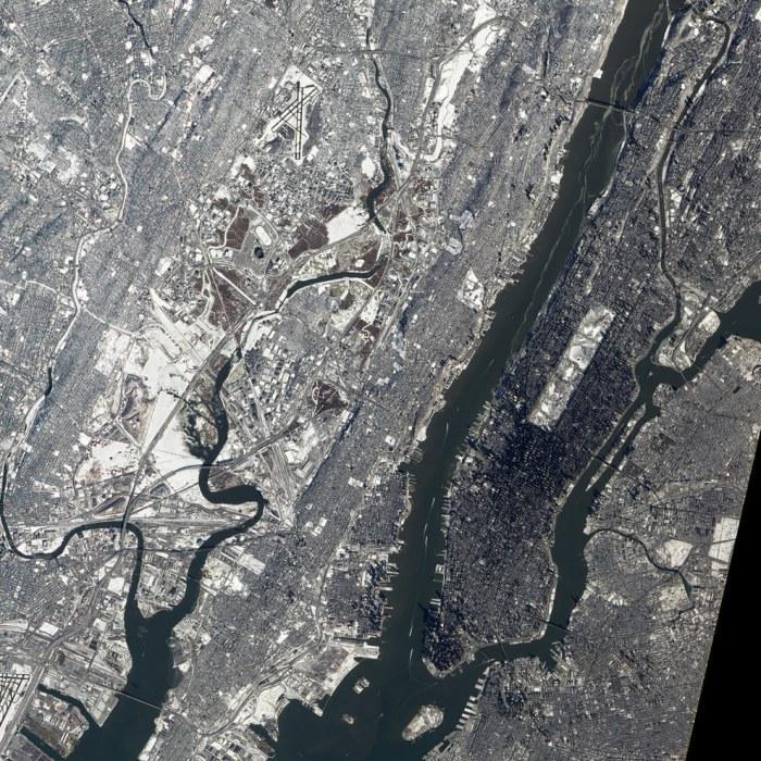 Четкие линии Нью-Йорка и Нью-Джерси.
