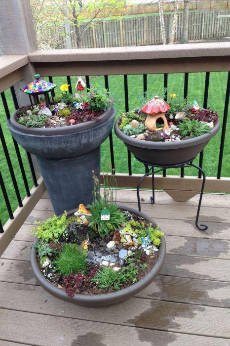 Главное - не забыть забрать сад с маленькими жильцами обратно в дом, когда наступят холода.