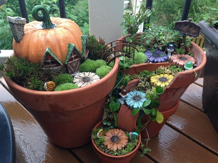 Оригинальные миниатюрные домики, которые украсят сад возле дома.