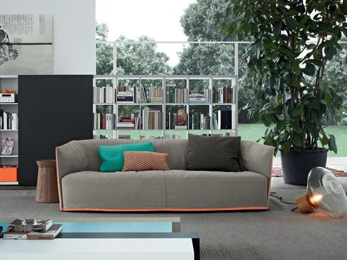 Удобный и простой диван в стиле casual будет уместно смотреться в больших и маленьких помещениях.