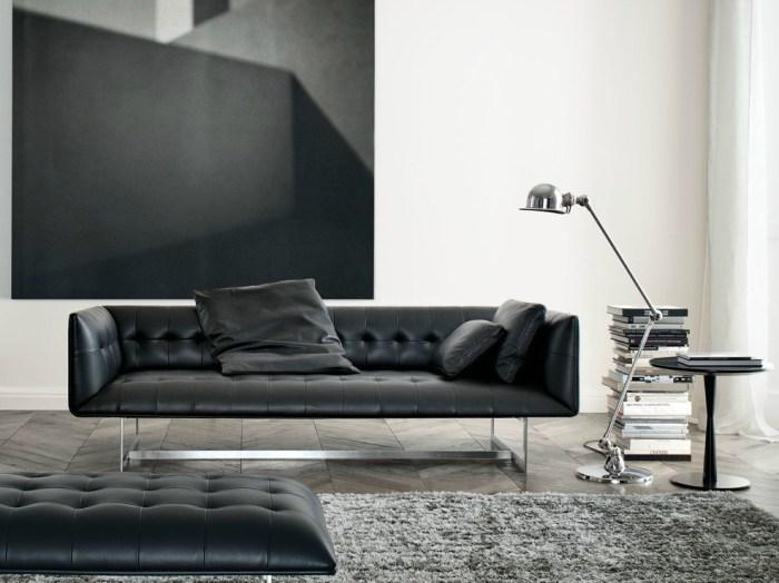 Сильный и элегантный дизайн из кожи и металла. Напоминает традиционную мебель, но в новых интерпретациях.