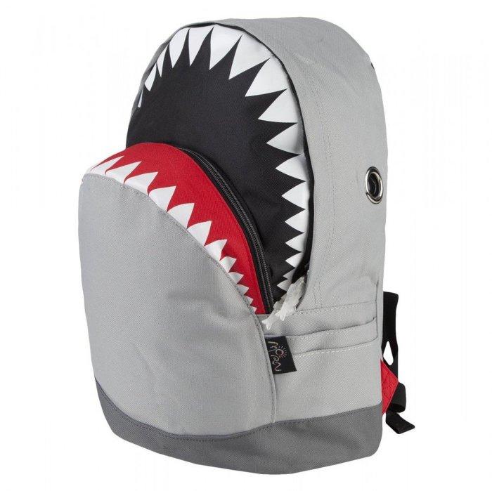 Замечательный рюкзак-акула.