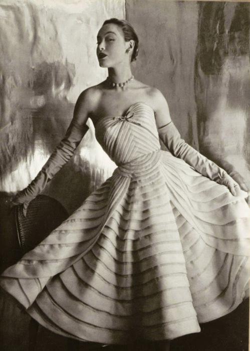 Платье от Jean Dessеs, 1952 год.