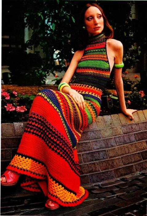 Разноцветное вязанное платье от итальянского модного дома Missoni, 70-е.