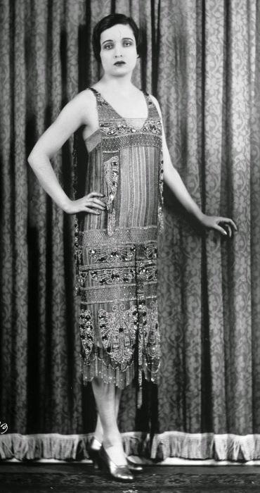 Американская актриса Элис Джойс (Alice Joyce) в роскошном платье.