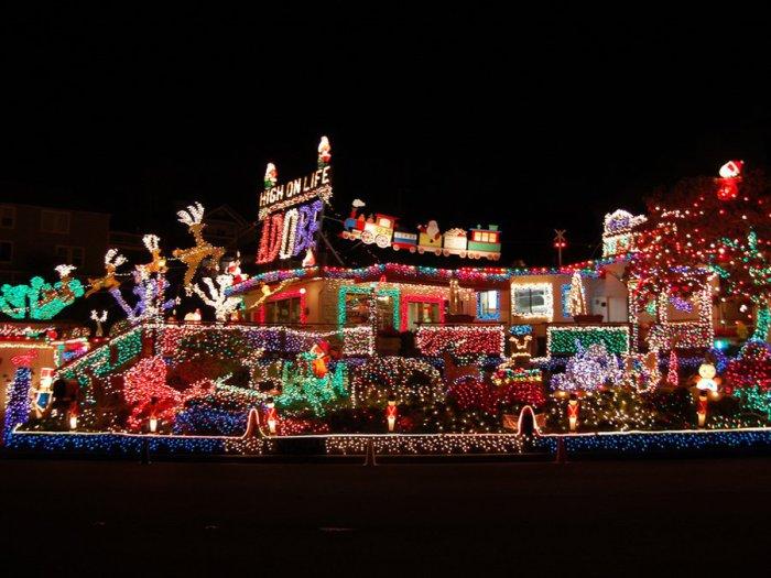 Хозяева такого дома возможно разорились на коммунальных платежах.