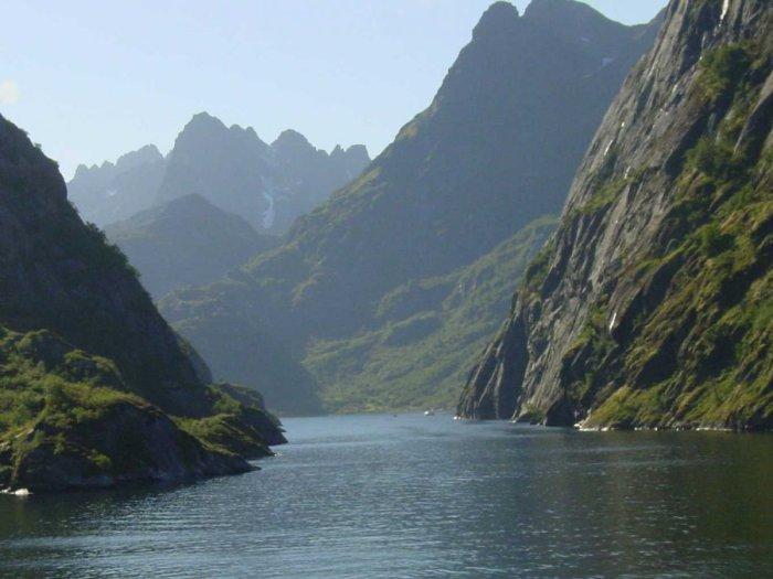Фьйорд в Норвегии.