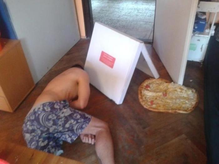 Не стоит заказывать пиццу в нетрезвом состоянии.