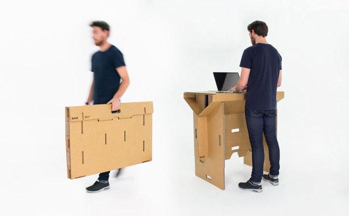 Удобный портативный картонный стол.