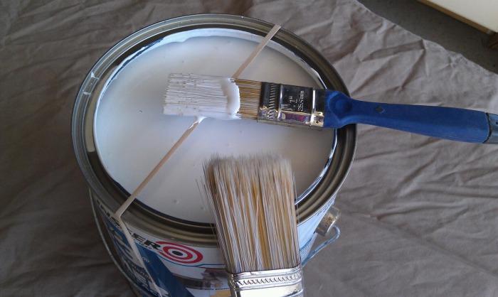 Резинка снимет излишки краски.
