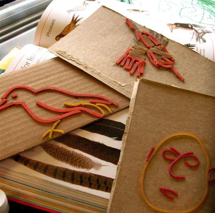 Резинки могут служить материалом для создания милых картин.