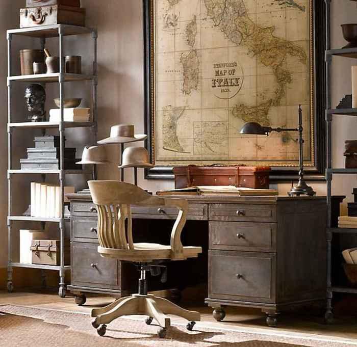 Старая настенная карта в раме добавит особого ощущения в комнату.