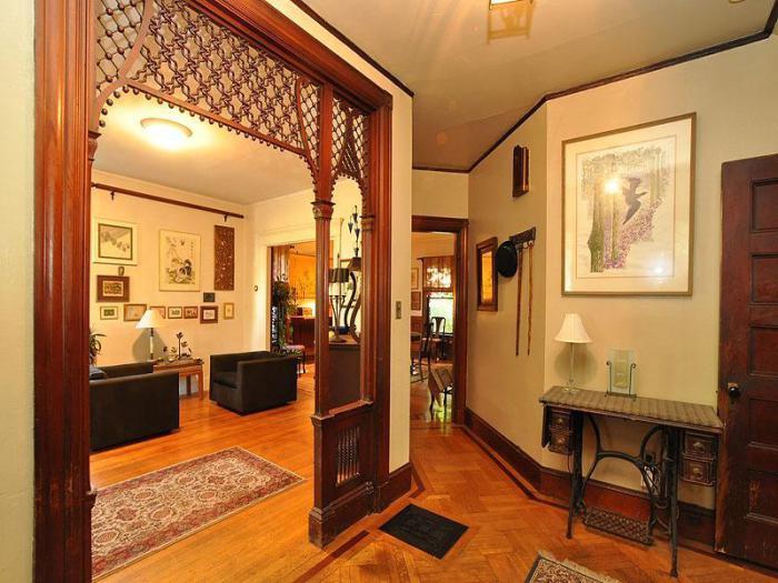 Викторианские швейные столы имеют богатую историю, поэтому они легко станут источником вдохновения для всех жильцов дома.