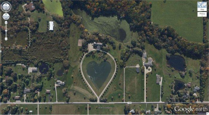 Сюрпризы, которые зафиксировал спутник Google Earth. Озеро в форме сердца. Округ Колумбия, Огайо, США