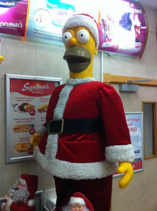 Гомер с очень большими удивленными глазами.