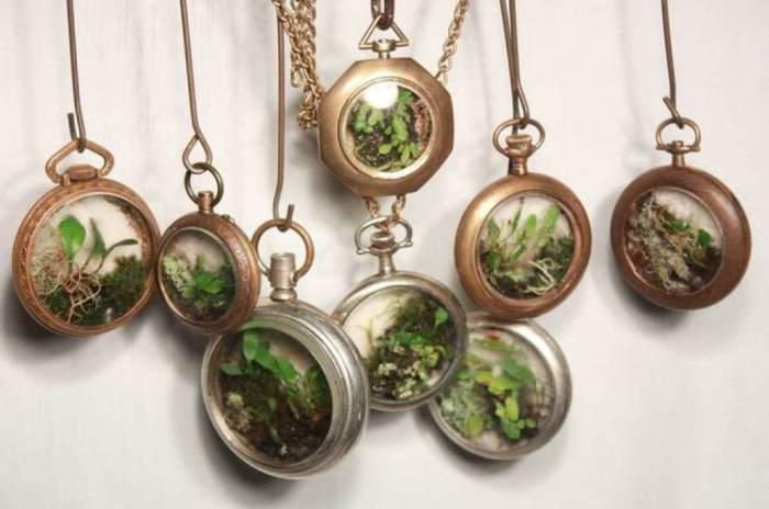 Замечательный способ превратить старые часы в необычное украшение.