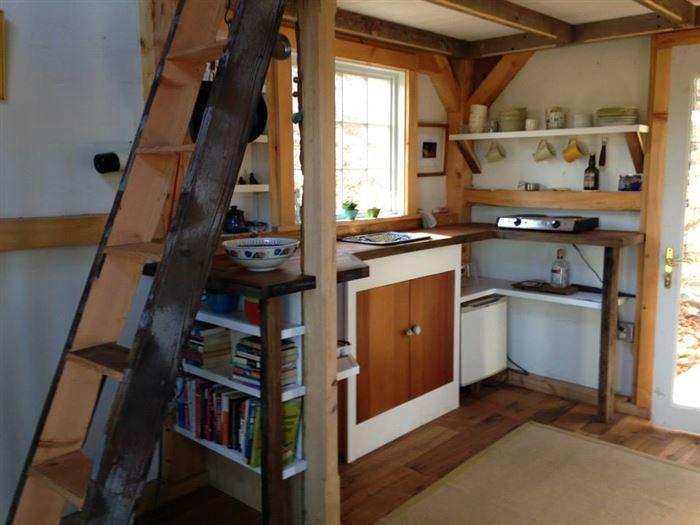 Зручний еко-дизайн маленького будиночка в штаті Коннектикут.