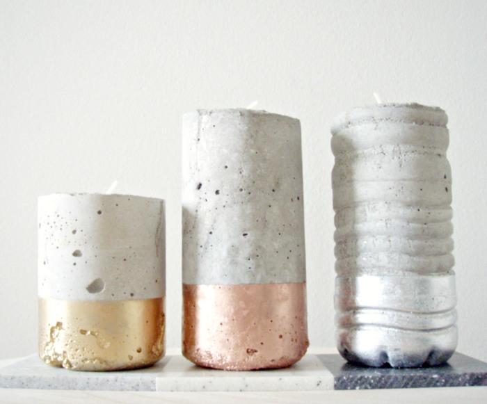 Свеча, сформованная в пластиковой бутылке.