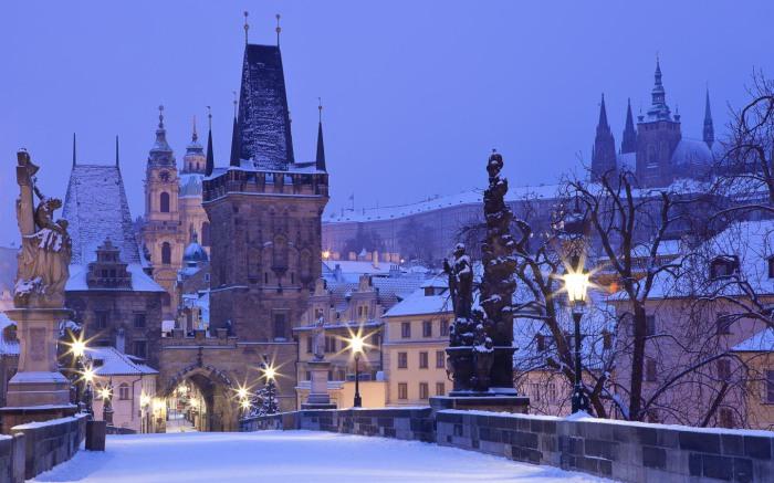 Великолепный древний город Краков в Чехии зимой.