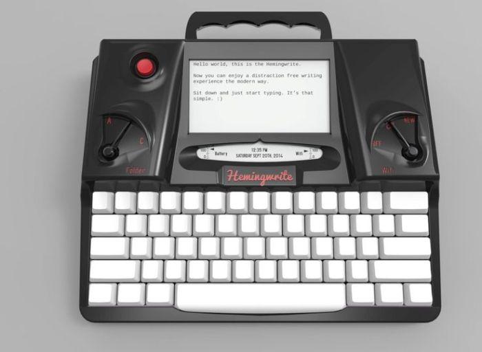 Печатная машинка с современными функциями.